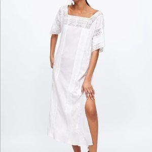 NWT Zara white cotton embroidered dress size XS-S.